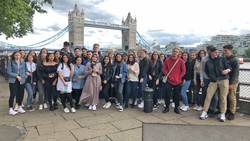 Foto: Vor der Tower Bridge in London